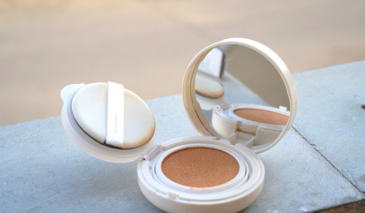 Innisfree Long Wear Cushion Foundation Spf 50 Pa Review Rougepouts