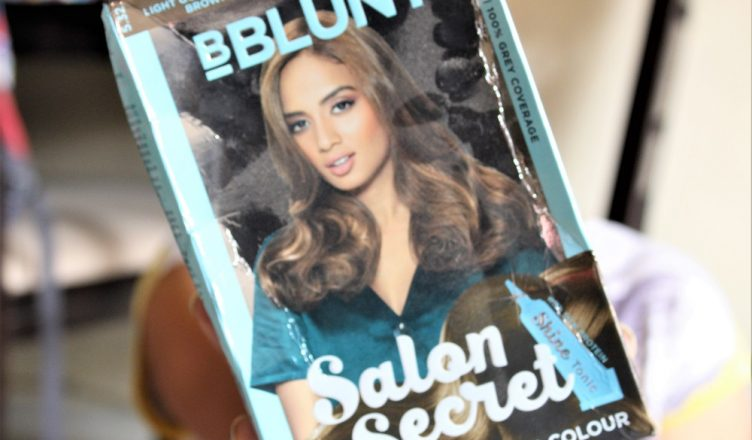 f03b7bd111e BBlunt Salon Secret High Shine Creme Hair Colour in Honey Review ...