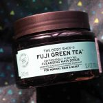The Body Shop Fuji Green Tea Refreshingly Purifying Cleansing Hair Scrub Review | RougePouts